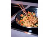 Индукционная варочная панель KitchenAid Домино WOK KHWD1 38510 Черный